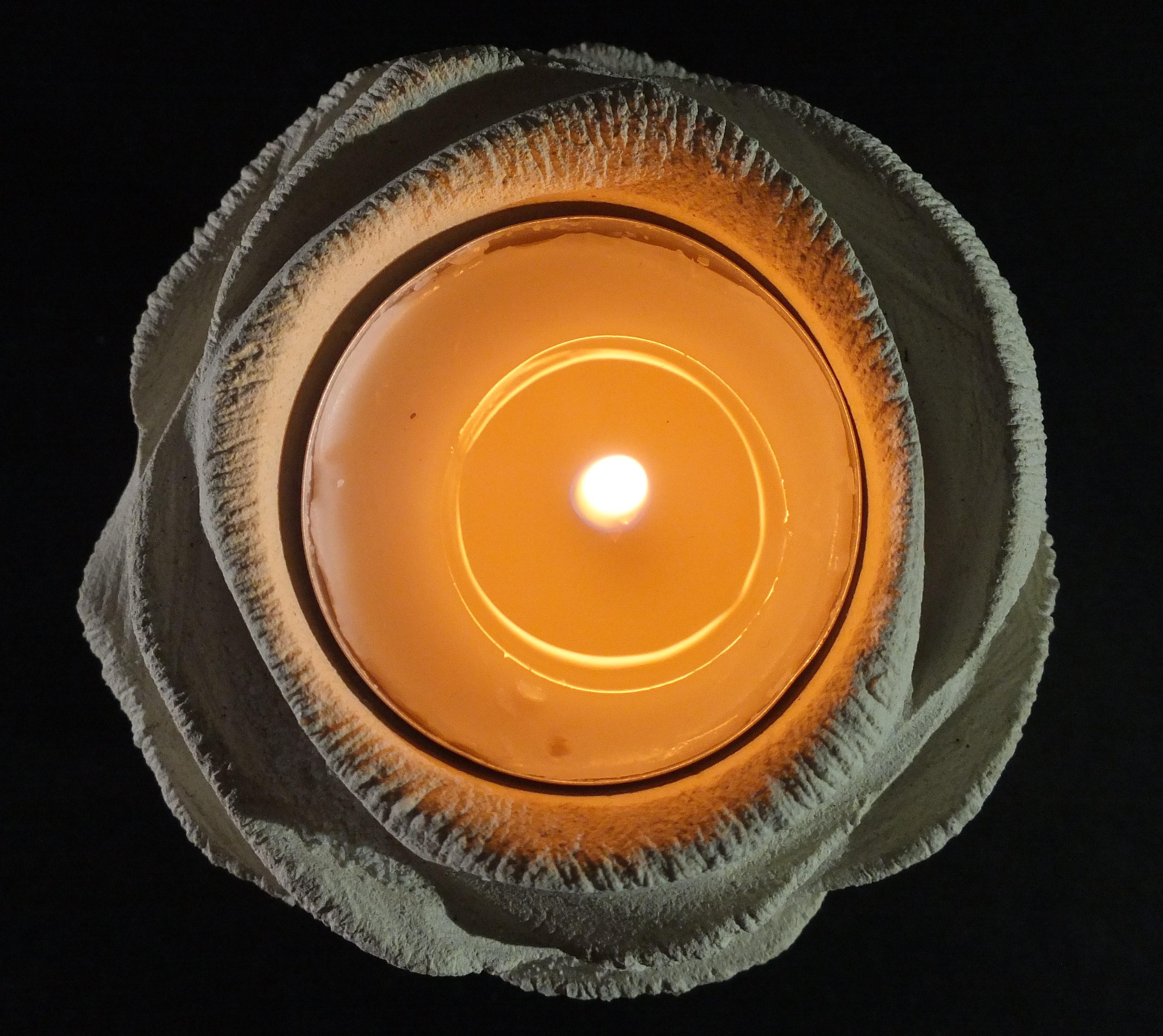 Rosa_porta candela_dettaglio_nero